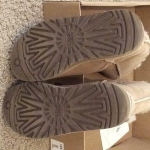 UGG Shoes - Ugg boot